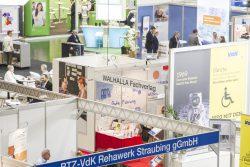 ConSozial 2017: Blick von oben auf den Stand des Walhalla Fachverlages