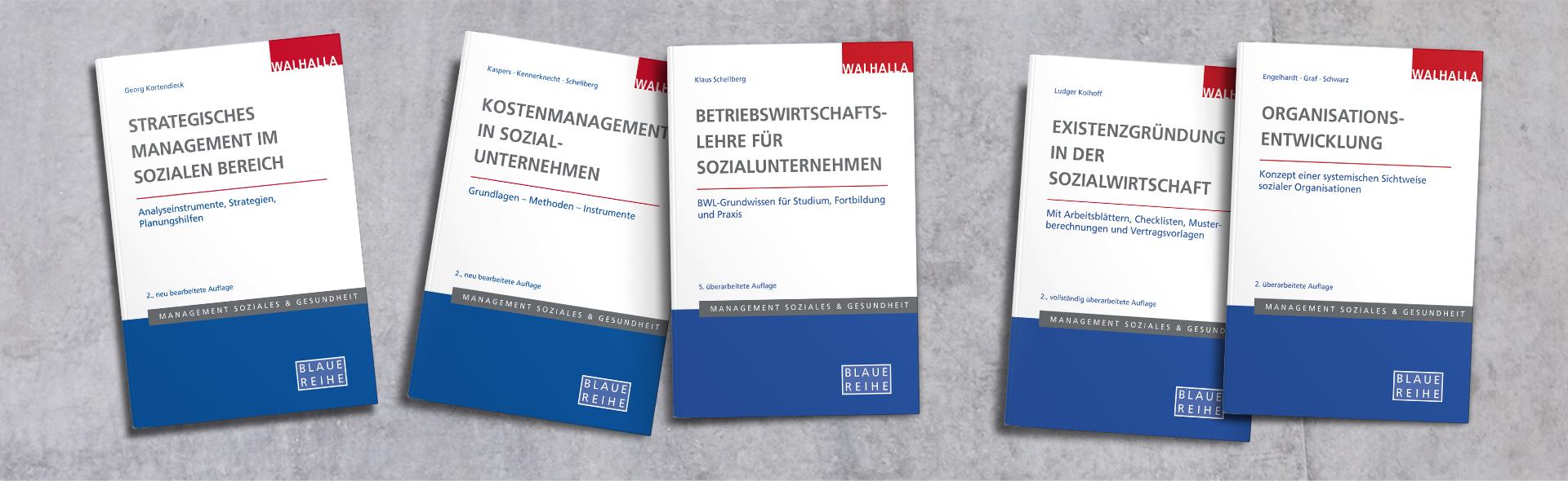 Fünf Bücher der Blauen Reihe, die im WALHALLA Fachverlag erscheint.