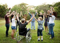 BTHG Reformstufe 3 Inklusion Gruppe von Menschen im Kreis
